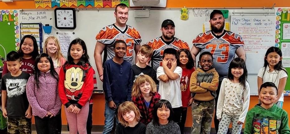 Mrs. Sengbusch's 3rd Grade Class with members from the Des Moines football team Blaze.